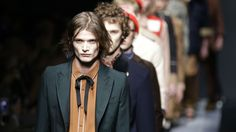 mgluxurynews-gucci-mens-show-fall-winter-2015-alessandro-michele.jpg (2000×1125)