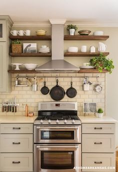 ********Exactly what I want--double oven/range, open shelves around hood, and hanging space for cast iron