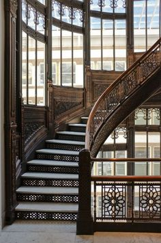 Rookery Building 209 S LaSalle Street Chicago, IL (via Steampunk Tendencies) Steampunk Interior, Steampunk House, Steampunk Design, Architecture Design, Stair Steps, Grand Staircase, Luxury Staircase, Stairway To Heaven, Interior Exterior