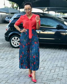 Happy Tuesday everybody 💋💋💋🌹🌹🌹🌺🌺🌺♥️♥️♥️ Modest Outfits, Classy Outfits, Modest Fashion, Chic Outfits, Fashion Outfits, African Inspired Fashion, Latest African Fashion Dresses, Sunday Outfits, Business Casual Attire
