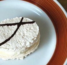 Czech Desserts, Meringue Pavlova, Little Cakes, International Recipes, Vanilla Cake, Tea Time, Cookie Recipes, Food And Drink, Sweets