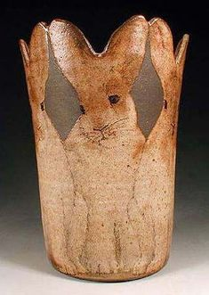 magic ceramic 🐇 animalier lapin rabbit vase kaninchen by Nan Hamilton Hand Painted Pottery, Pottery Painting, Pottery Vase, Ceramic Pottery, Kintsugi, Art Sculpture, Rabbit Sculpture, Bunny Art, Bunny Bunny