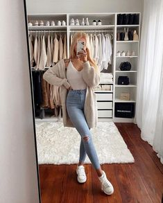 Here are 21 trendy outfit goals to inspire you this spring and summer of 2021 Casual Fall Outfits, Winter Fashion Outfits, Simple Outfits, Pretty Outfits, Stylish Outfits, Spring Outfits, Traje Casual, Gilet Long, Street Looks