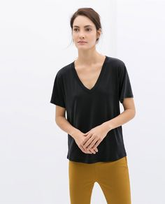 Easy, simple, and perfect ZARA - WOMAN - V-NECK T-SHIRT