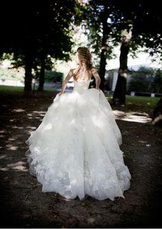 Brautkleid der Woche – Lea von Garamaj