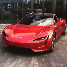Tesla Roadster 2 - Cars World Tesla Roadster, Tesla Motors, Mini Chopper Motorcycle, Motorcycle Memes, Motorcycle Couple, Scrambler Motorcycle, Motorcycle Art, Motorcycle Hairstyles, E Mobility