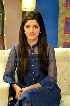 Pakistani Girl, Pakistani Actress, Pakistani Dresses, Indian Dresses, Bollywood Actress, Casual Formal Dresses, Simple Dresses, Desi Wear, Girl Fashion