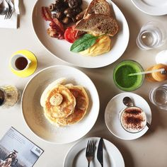 3位▷bills[表参道店]世界一の朝食が食べられる店。リコッタチーズパンケーキ:みんなのパンケーキ部『パンケーキ人気店ランキング2015』より