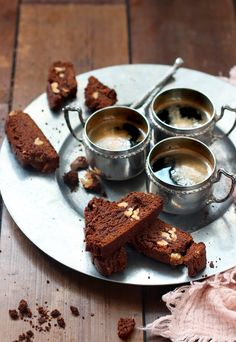 Biscotti aux noix, sarrasin & cacao • Clémence Catz Biscotti, Cookie Recipes, French Toast, Breakfast, Food, Roasted Walnuts, Cocoa Butter, Recipes For Biscuits, Breakfast Cafe