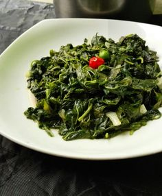 Amaranth leaves are very rich and tasty green leafy vegetables. Amaranth leaves benefits are plenty including rich in folate iron . Recipe is outlined below Amaranth Greens Recipe, Amaranth Recipes, Fusion Food, How To Cook Amaranth, Zambian Food, Dairy Free Soup, Nigerian Food, Chowder Recipes, International Recipes
