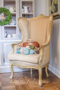 French Country Fridays- Rustic Autumn Mantel - Rustic and natural for autumn in always a good thing. French Country Bedrooms, French Country Cottage, French Country Style, French Country Decorating, Fall Decorating, French Decor, Country Chic, French Chairs, French Furniture