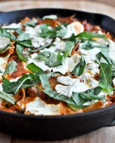 Quick + Easy Skillet Lasagna - so simple. Use whole wheat lasagna noodles + lean ground beef or turkey. I howsweeteats.com