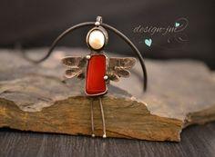 Andílek v červené Weird Jewelry, Diy Jewelry, Jewlery, Jewelry Necklaces, Jewelry Design, Necklace For Girlfriend, Handmade Wire, Metal Clay, Soldering
