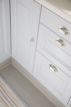 white cabinet door with knob. Livs Lyst: Kjøkken Drawer Pulls And Cabinet Door Knob On White Cabinets With