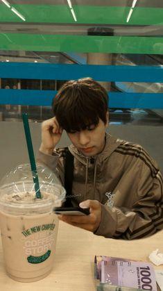 Stray Kids Chan, Stray Kids Seungmin, Boyfriend Video, Boyfriend Girlfriend, Kids Wallpaper, K Idol, Worldwide Handsome, Lee Know, Day6