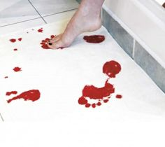 Bathmat that turns blood red when it gets wet!