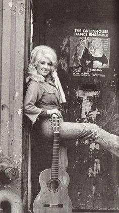 Dolly Parton & guitar