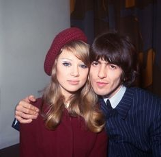 How Pattie Boyd deftly executed city hall beauty for her 1966 wedding ceremony with George Harrison. Eric Clapton Pattie Boyd, George Harrison Pattie Boyd, Bardot Makeup, 60s Makeup, Makeup Inspo, Big Eyelashes, Champagne Blonde, Pose, Orange Lips