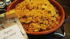 Spezie, verdure e pollo nel profumato riso jollof nigeriano