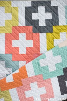 2017 Quilty Love Quilts. Modern quilts by emily of quiltylove. Quilty Love quilts and patterns. Modern quilts for the modern quilter.