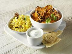Curry mit Reis, Joghurtdip und indischem Fladenbrot - smarter - Zeit: 2 Std.  | eatsmarter.de