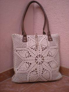 Pineapple shoulder bag, pattern for purchase Ananas-olkalaukku, malli ostettavaksi Diy Crochet Bag, Crochet Purse Patterns, Crochet Shell Stitch, Bag Patterns, Crochet Handbags, Crochet Purses, Cheap Bags, Crochet Designs, Handmade Bags