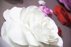 Fairytale For You | Свадебные и вечерние платья, декор свадебного салона, украшение свадебного салона внутри. Розы, хинди-мейд, hand-made, латекс, разы из латекса, декор, украшения, декор для фотосессий, свадебный декор, декор для съемок. Цветы.