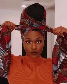 # big Braids video How to knot Ankara tie by Kiitana Hair Wrap Scarf, Hair Scarf Styles, Curly Hair Styles, Natural Hair Styles, Scarf Head Wraps, Scarf On Head, Yarn Braids Styles, Crochet Braid Styles, Natural Hair Tutorials