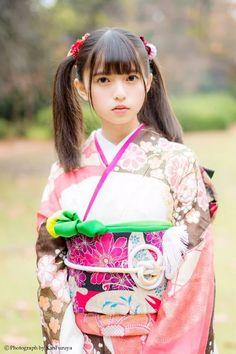 """古谷完 《日本ツインテール協会会長》 on Twitter: """"本日発売のsmartにて連載中の『日本ツインテール化計画!』今月号のゲストモデルは乃木坂46の斎藤飛鳥 さんです。 寒空の下、お着物姿の斎藤さんを撮影させていただきました。本誌のカットは更に可愛いので是非是非ご覧くださいませ。 """""""
