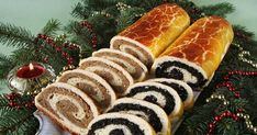 """Képtalálat a következőre: """"hungarian traditional foods"""" Hungarian Desserts, Hungarian Cuisine, Hungarian Recipes, Pie Dessert, Dessert Recipes, Fun Deserts, Sweet Cookies, Merry Christmas And Happy New Year, Hot Dog Buns"""