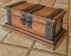 Rustic wooden jewelry box reclaimed wood treasure chest hand made in Italy