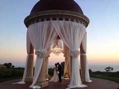 A breathtaking setting for one of the first kisses as Mr. and Mrs. | www.pelicanhill.com |The Resort at Pelican Hill, Newport Beach, CA | #pelicanhillresort #memories #wedding