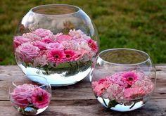 vase boule, arrangements avec des têtes de fleurs