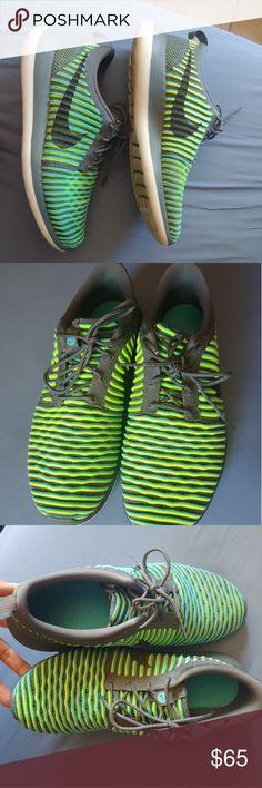 536edee11 Men's Nike Roshe Two Flyknit V2 Running Shoe EUC. Two tone shoe yellow, blue