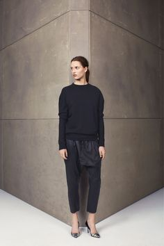 universal weekend knit, relaxed leather pant