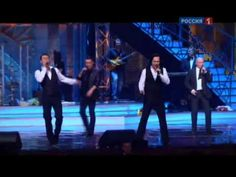 The russians singing in this beautiful video a wonderful songs from the jewish people Like Hava Nagila Sim shalom Ani Maamin Etc - video
