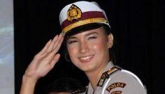 Soldado mulher. Indonésia.