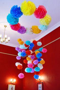hanging pom-pomps