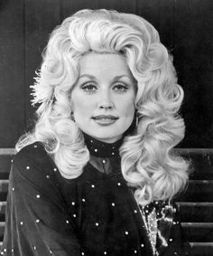 Dolly Parton beautiful in black & white