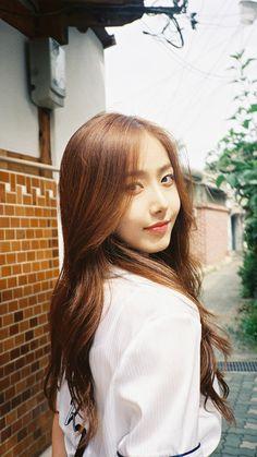 Gfriend And Bts, Sinb Gfriend, Gfriend Sowon, Kpop Girl Groups, Korean Girl Groups, Kpop Girls, Gfriend Album, Korean Beauty Girls, G Friend