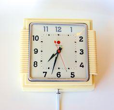 Retro Telechron 'red dot' Kitchen Clock