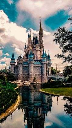 Castle discovered by ari_smit on We Heart It - Walt Disney - - Disney Castle Disney Phone Wallpaper, Iphone Background Wallpaper, Nature Wallpaper, Mobile Wallpaper, Desktop Backgrounds, Wallpaper Desktop, Galaxy Wallpaper, Disney Drawings, Cute Drawings