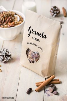 Simple DIY Packaging for Granola ❤