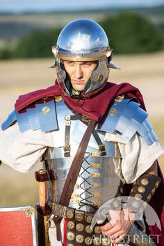 A mix between an Imperial Gallic Helmet and a Coolus, this stainless steel Roman helmet looks gorgeous and can be shipped worldwide. Available in: stainless, mirror polishing, satin polishing Soldier Helmet, Roman Helmet, Roman Armor, Ancient Armor, Medieval Helmets, Fantasy Artwork, Looking Gorgeous, Football Helmets, Rome