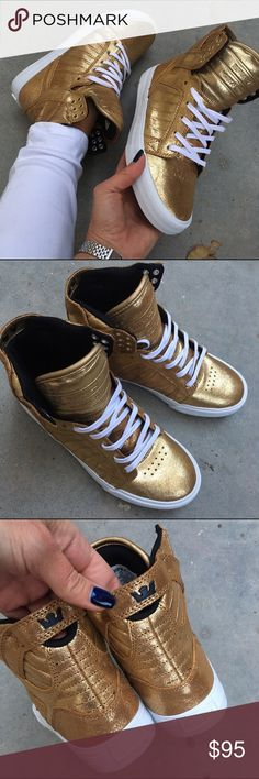 NWOB  SUPRA SKYTOP WOMENS Size 7 DECK THE HALLS IN THESE! ✨❤️ perfect for any casual holiday function that needs a little sparkle! NEW never worn SKYTOP SUPRA! GOLD LEATHER SIZE 7 woman ✨  Ships same or next day from my smoke free home. No box. Ships in a new shipping box the size is similar to a shoe box. Each shoe is wrapped in tissue.   Bundle items to save. ❤️  PRICE IS FIRM. 100% authentic. Supra Shoes Athletic Shoes