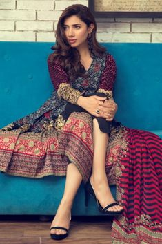 Alkaram Studio Unstitched MID SUMMER 3 PIECE EMBROIDERED CHIFFON COLLECTION 2017 MS-03-17-BLACK with model Mahira Khan Mahira Khan Pics, Mahira Khan Dresses, Pakistani Actress Mahira Khan, Pakistani Models, Pakistani Outfits, Indian Outfits, Beautiful Girl Indian, Indian Dresses, Eid Dresses
