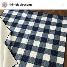 buffalo check quilt Navy Quilt, How To Finish A Quilt, Buffalo Check, Quilting Designs, Quilt Blocks, Navy And White, Quilt Patterns, Quilts, Stitch