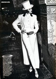 ☆ Nadja Auermann | Photography by Ellen von Unwerth | For Vogue Magazine US | September 1992 ☆ #nadjaauermann #ellenvonunwerth #vogue #1992