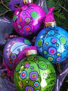 Whimsical Hand Painted Ornament by ToNYaBeSToRDeSiGNS So cute! Easily adapted to other relationships. Do with paint pens and acrylic paint. Hand Painted Ornaments, Diy Christmas Ornaments, Christmas Projects, Holiday Crafts, Christmas Decorations, Seashell Ornaments, Ornaments Image, Whimsical Christmas, Noel Christmas