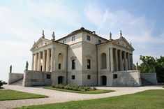 I'm currently working on my research paper which is about Goethe's journey to Italy. Goethe really liked one italian architect named Andrea Palladio and one of the villas he designed really impressed...